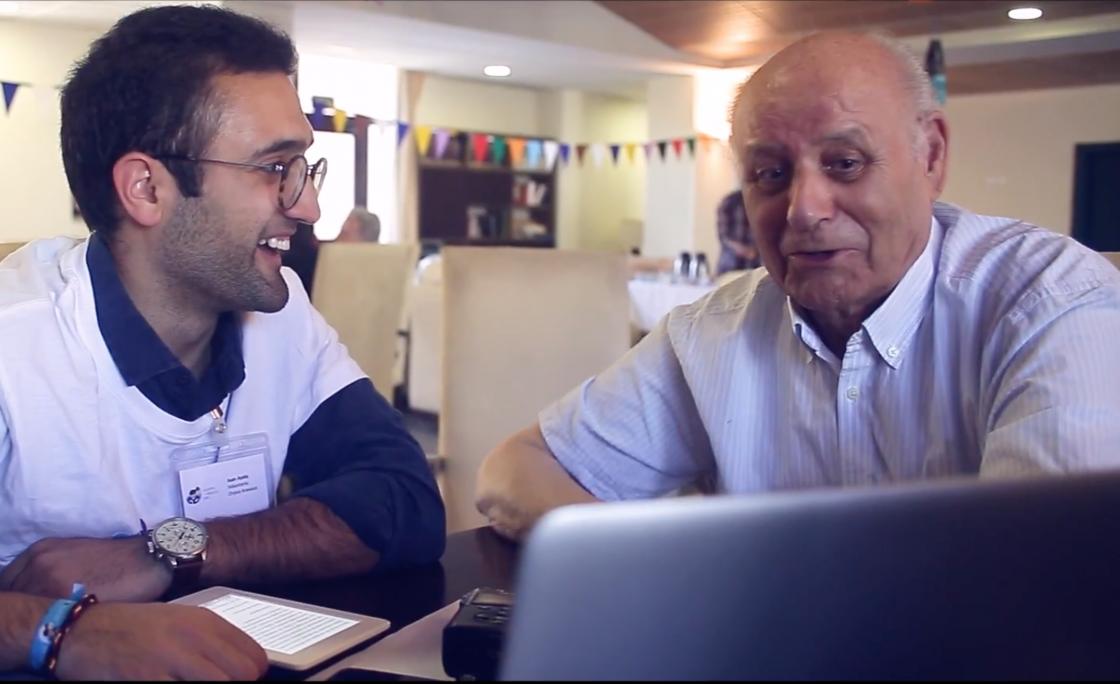 Amazon rompe la brecha digital con los mayores a través del programa Adopta Un Abuelo-Orpea