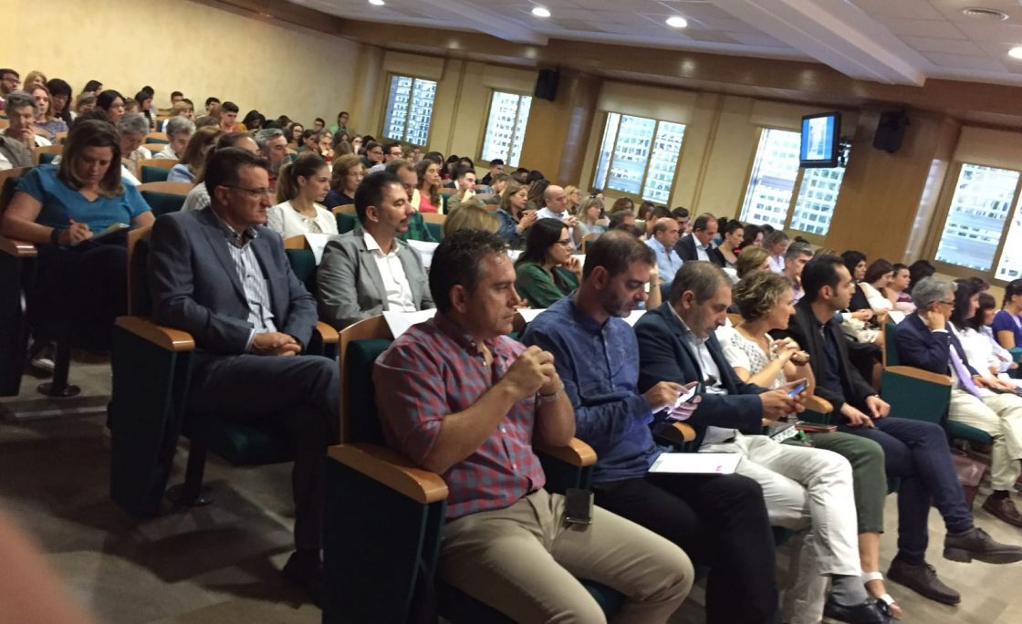 Presentado en Granada el modelo 'Casas para vivir'