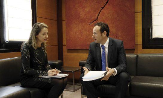 Martínez presenta al Gobierno central el Plan Demográfico del Principado