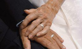 Conferencia sobre sexualidad en entornos residenciales para personas mayores, en Oviedo