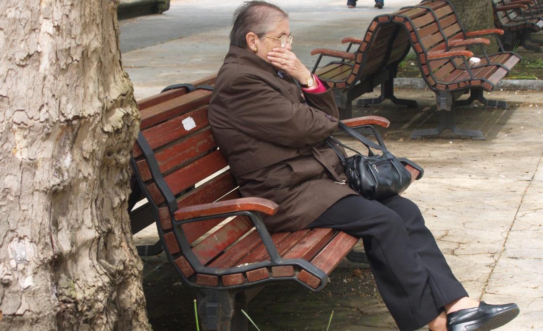 Barcelona activa un plan para combatir la soledad