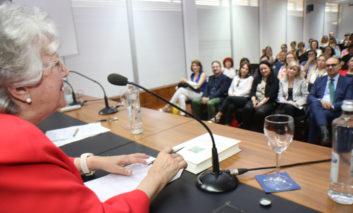 Duran alerta sobre el nacimiento de un nuevo proletariado de mujeres dedicadas a los cuidados