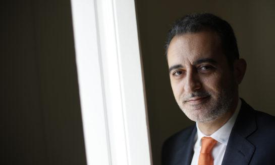 El director de Comunicación de Amavir, premiado en Estados Unidos por su trayectoria como docente