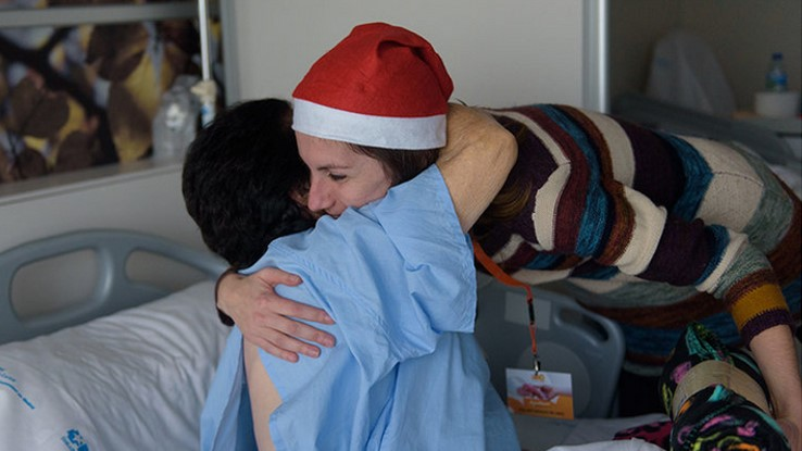 Amavir colabora con la Asociación Benéfica Geriátrica en su campaña 'Ningún mayor sin regalos en Navidad'