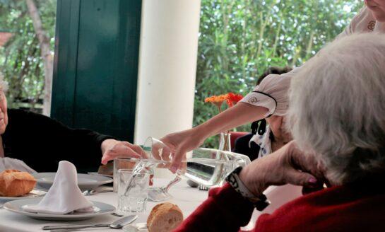 Grupo ORPEA acoge en sus centros a personas  mayores que viven solas para que pasen la Navidad
