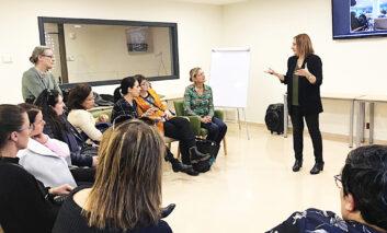 Profesionales suecos conocen el trabajo cotidiano de los centros de l'Onada Serveis