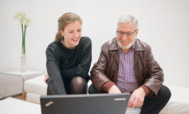 El Área de Envejecimiento Activo de Afundación impulsa la cultura digital entre sus socios y socias
