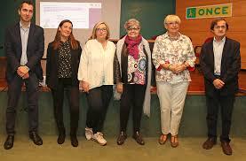 El Gobierno de Cantabria apoyará a las personas mayores que deseen permanecer en sus domicilios