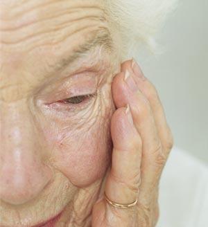La SEGG pone en valor el trabajo multidisciplinar para tratar adecuadamente a la persona con alzhéimer