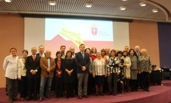 El Colegio de Médicos de Navarra homenajea a sus 55 jubilados en el 2019