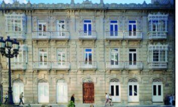 Exposición 'A vivir que son 100 años', en Pontevedra
