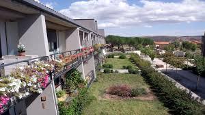 Las viviendas alternativas para personas mayores, a debate