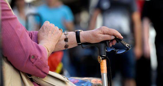 El Gobierno de Asturias adelanta 15 días el pago del salario social y las ayudas a las personas dependientes