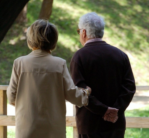 Derechos Sociales pone en marcha una mesa de trabajo para definir un nuevo modelo de atención residencial en centros para mayores