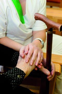Gobierno y comunidades acuerdan una respuesta frente a los primeros casos de covid en residencias