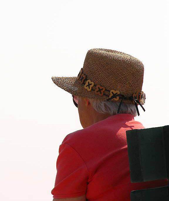 La FAG alerta sobre la soledad y el abandono de las personas mayores