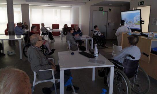 Personas mayores redescubren Bilbao y su transformación gracias a los tours virtuales