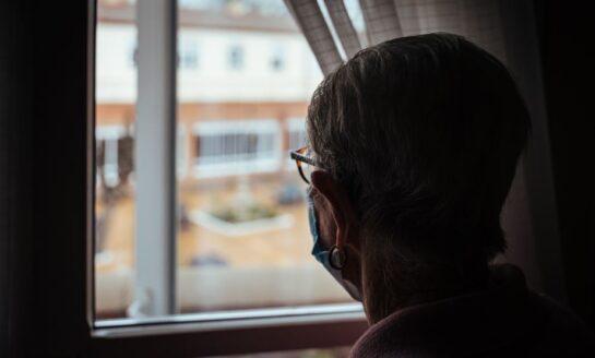 Campofrío y Médicos del Mundo se unen para formar a residencias con medidas contra la COVID-19