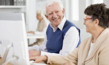 La  Comunidad de  Madrid renueva  su  oferta  de talleres gratuitos para mayores de 60 años