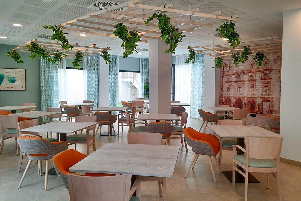 Requena y Plaza finaliza el proyecto de interiorismo de la nueva residencia  Emera Almería