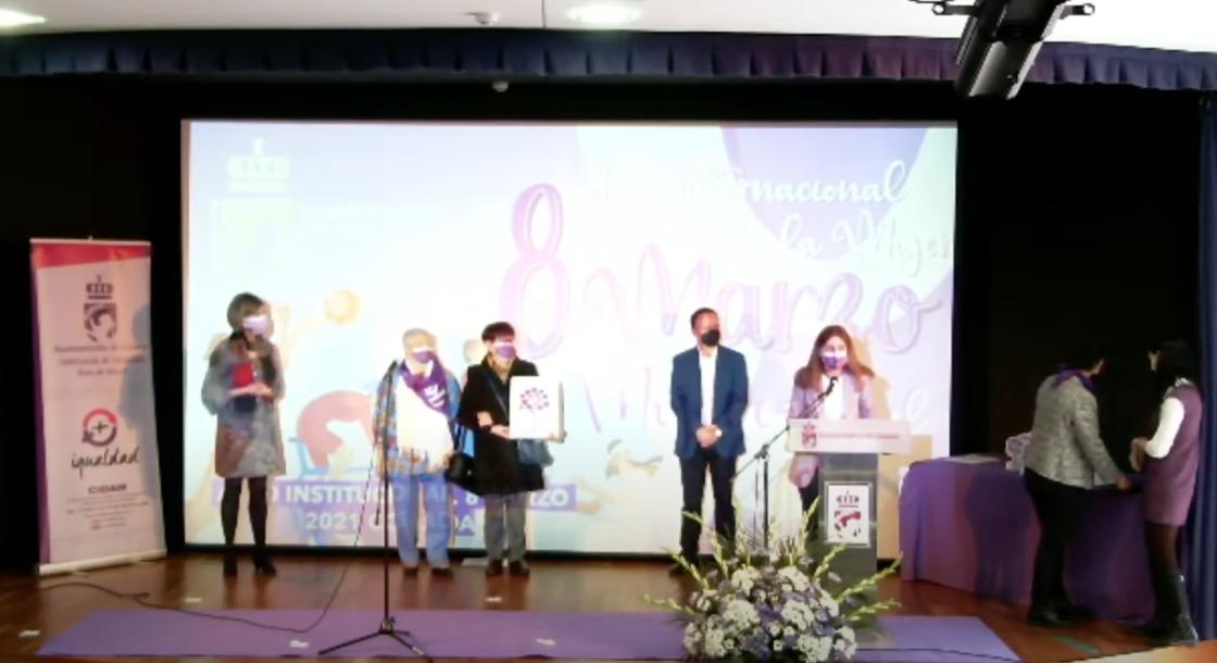Amavir Coslada recibe el galardón Árbol de la Igualdad, en reconocimiento a sus trabajadoras y residentes