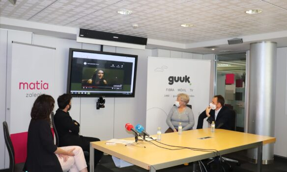 MatiaZaleak y Guuk suman fuerzas para reducir la brecha digital