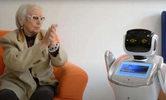 Nace Sanbot, el robot que vela por la salud de los mayores y  los entretiene