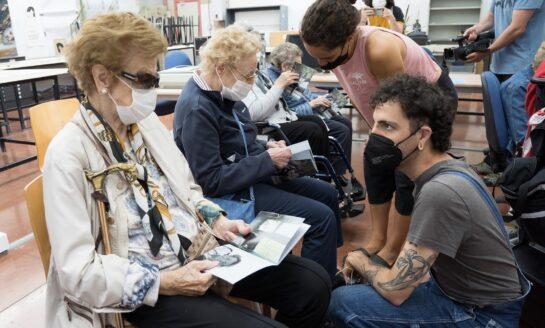 Estudiantes de Bellas Artes plasman en un fanzine la realidad de la pandemia vista por las personas mayores